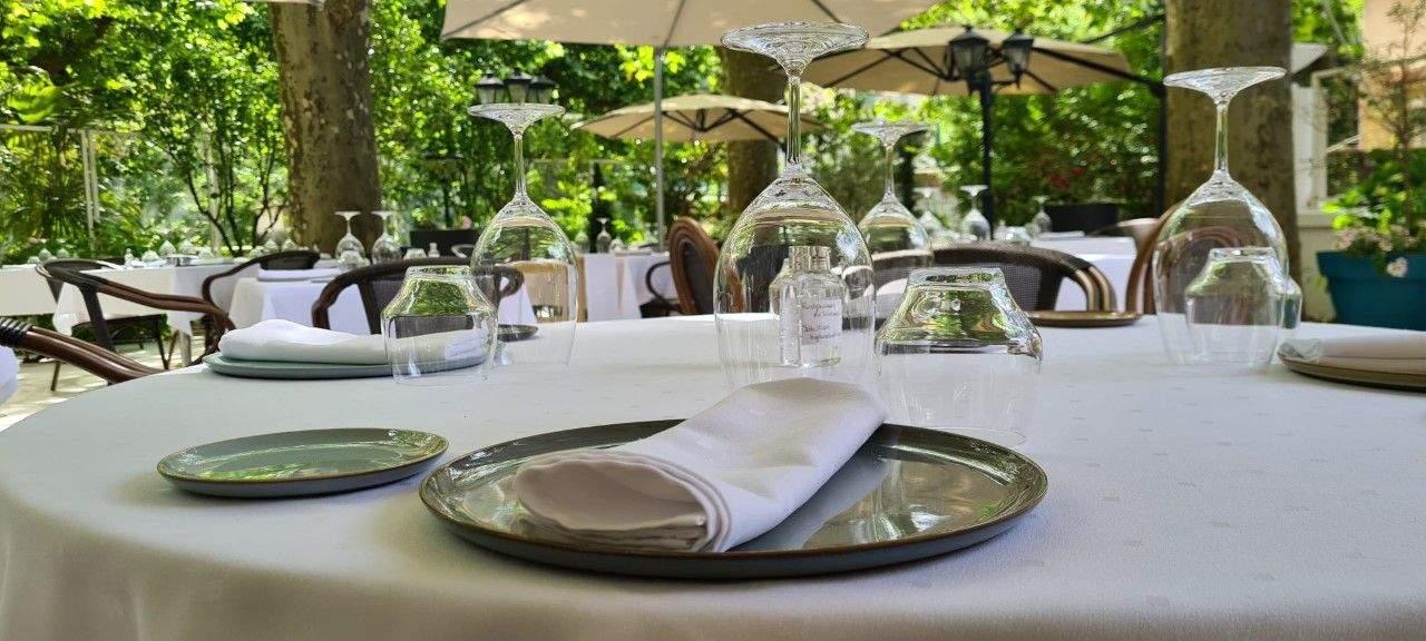 1 Michelin star restaurantHôtel Helvie Ardeche